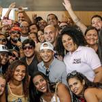 BELL MARQUES RECEBE FÃS E LANÇA CD DE FORRÓ.